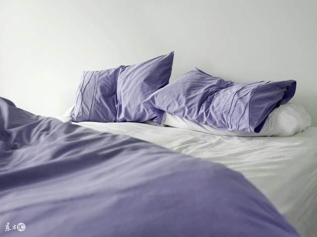 風水大師告誡:床頭朝這個方向。男主橫財連連。好運擋都擋不住 - 每日頭條