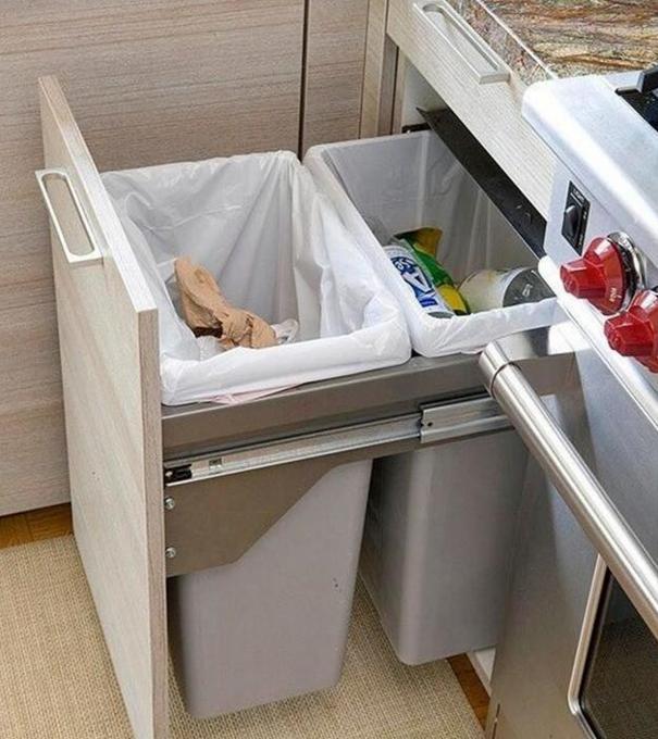 kitchen trash can pull out oxo supplies 这些厨房垃圾桶不光有创意 而且实用 每日头条 还能装上多个垃圾桶 将垃圾分类放置