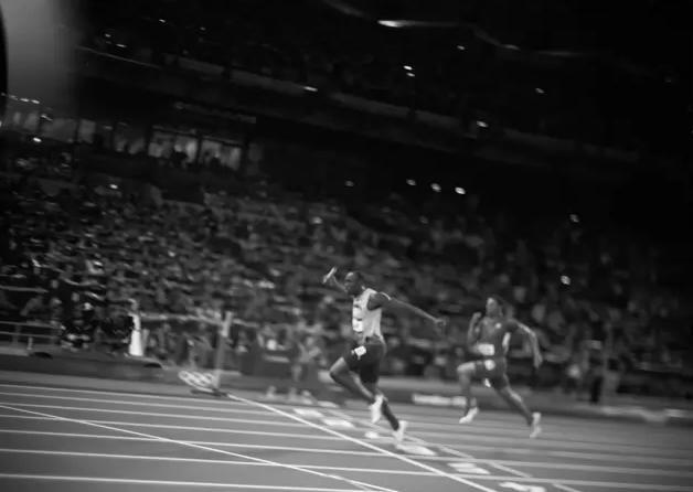 大畫幅膠片機拍賽跑?這位奧運攝影師真的做到了! - 每日頭條
