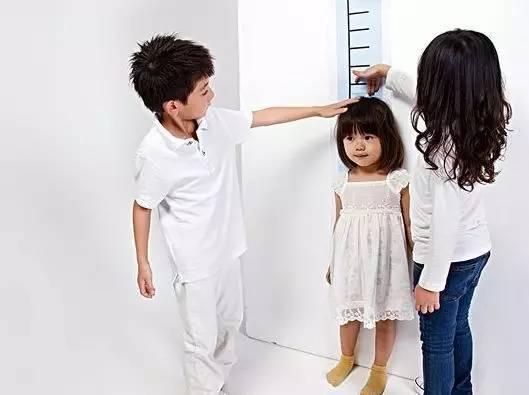 想讓孩子再長高一點。除了吃好還要做好這個…… - 每日頭條