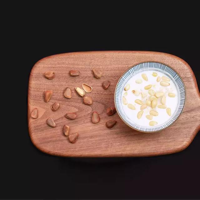 【健康課堂】—松子. 養血潤腸軟化血管。女性潤膚美容的理想食物 - 每日頭條