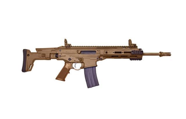 雷明頓ACR步槍,關鍵時刻還可以用槍口砸碎汽車玻璃 - 每日頭條