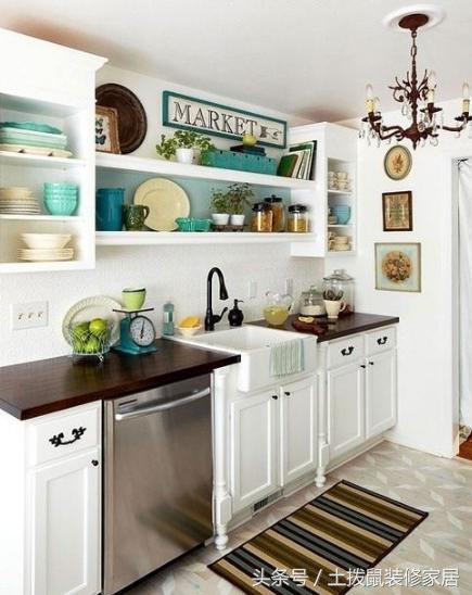small kitchen bar floor tile 厨房太小怎么装 这些紧凑厨房设计了解一下 漂亮又实用 每日头条 的食物都会缺少兴致 但是在小空间内装出一个实用又好看的厨房可不是简单的事情 今天小编给各位介绍一些紧凑厨房设计的案例 我们来学习学习如何装修 小厨房吧