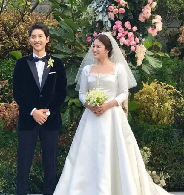 韓國「國民初戀」裴秀智和兩個男神都談過戀愛。要向宋慧喬學習嗎 - 每日頭條