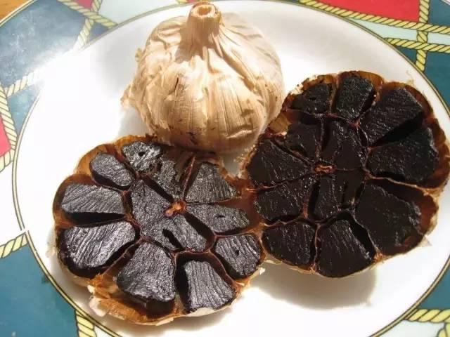 孫儷給鄧超吃的黑蒜。究竟是什麼東西。有什麼營養與功效! - 每日頭條