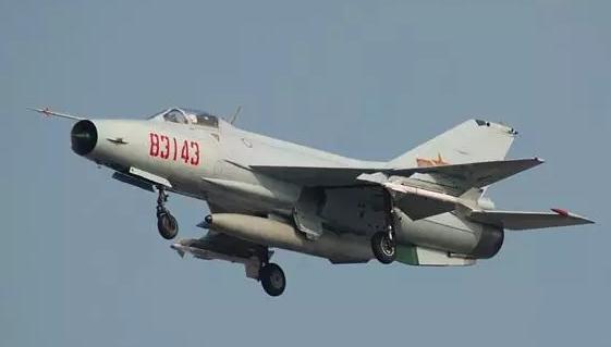 中國經典軍機匯總1:殲-6戰機擊落擊傷各型美國戰機22架 - 每日頭條