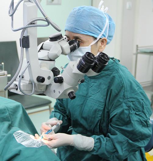 治療近視。雷射手術與ICL晶體手術的區別 - 每日頭條