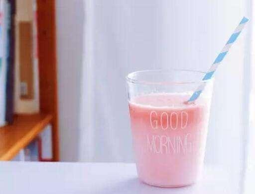 西瓜汁可以加牛奶嗎 西瓜汁和牛奶一起喝的好處是什麼 - 每日頭條