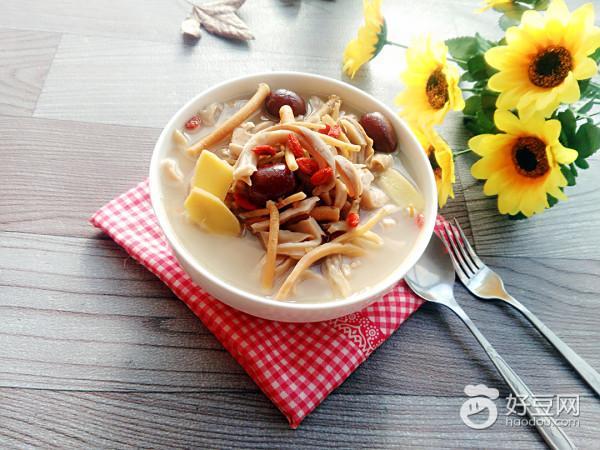 【冬季養生】墨魚豬肚湯 - 每日頭條