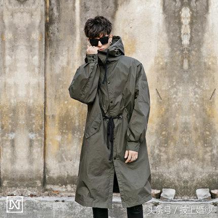 2017秋季新款韓版連帽長款風衣外套男潮流個性中長款英倫風大衣男 - 每日頭條