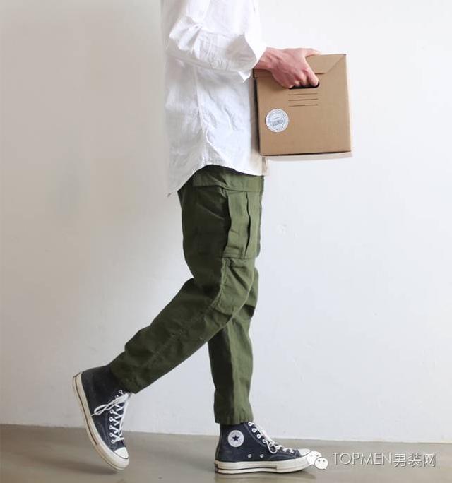 穿工裝的男人才性感。你想看到的工裝衣、工裝褲、工裝靴都在這裡 - 每日頭條