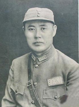 蔣介石製作最高勳章 一枚獎給他自己 一枚獎給這位抗日名將 - 每日頭條