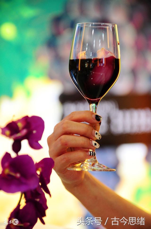 一個有關年輕容顏的秘密:每晚一杯紅酒 - 每日頭條