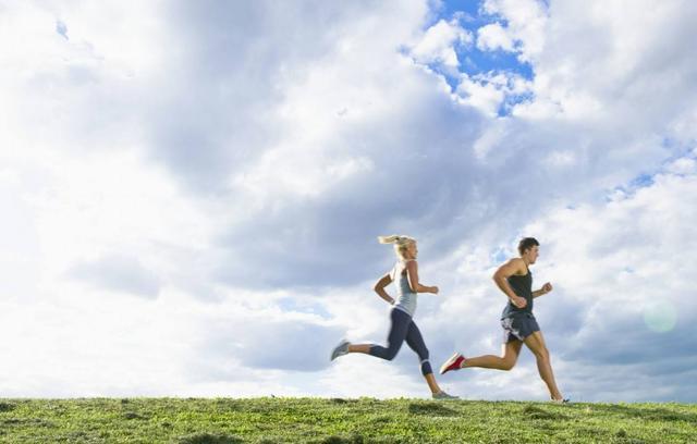 跑步小腿酸痛。腫脹!肌肉腿離你已不遠!解決的方法又是什麼呢? - 每日頭條