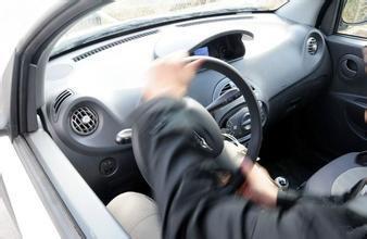 都知道這4種開車習慣很傷車。但很多車主還在「犯」! - 每日頭條
