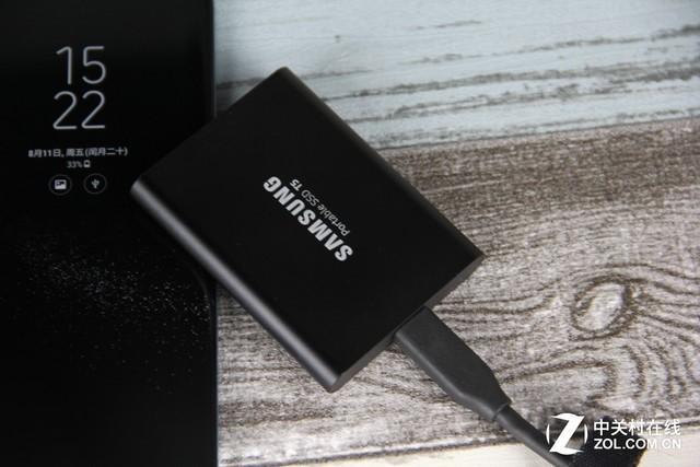 三星T5首測:一款秒殺SATA SSD的移動SSD - 每日頭條
