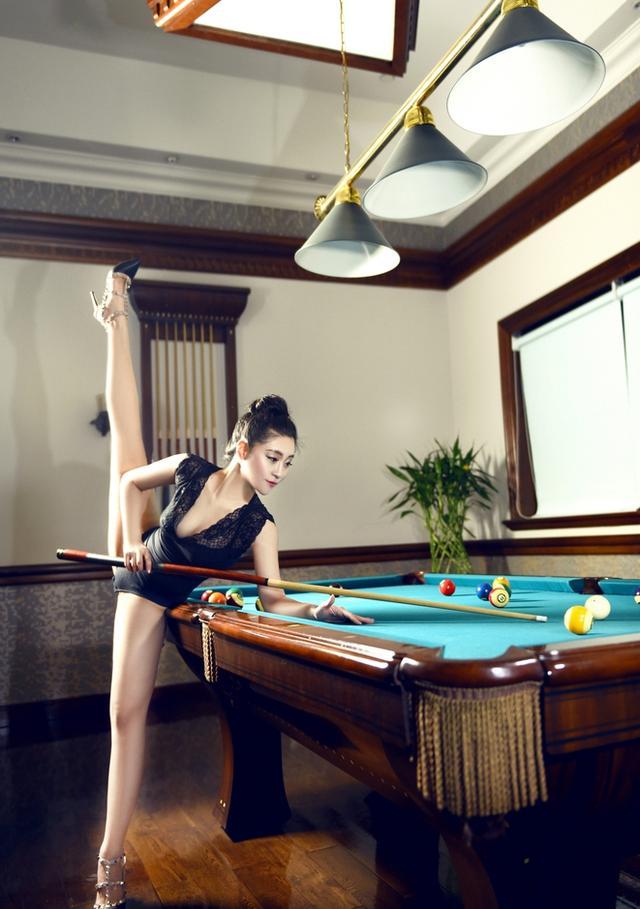 解析打桌球高難度姿勢是真功夫還是擺樣子?不過美女真是很性感 - 每日頭條