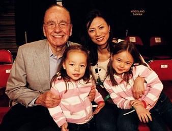 鄧文迪通過冷凍精子試管生下兩個混血女兒,誰料兩個女兒並不洋氣 - 每日頭條