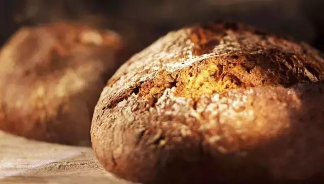 這麼多年。你吃的都是「假全麥麵包」! - 每日頭條