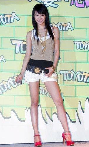 女生腿短身長怎麼搭配衣服。學會這個你能更美! - 每日頭條