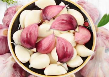 白酒泡大蒜能有效降「三高」(附7個製作方法) - 每日頭條
