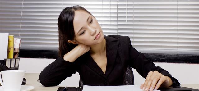 簡單一招,輕鬆搞定失眠,頭暈,頸椎等問題,趕快分享出來! - 每日頭條