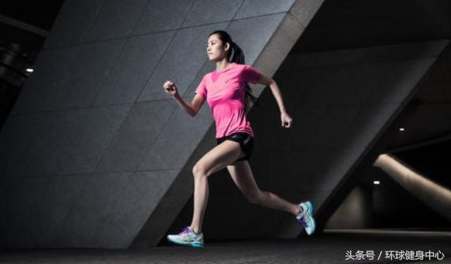 在短跑的時候會出現許多問題。短跑的跨步有什麼技巧?我來教你 - 每日頭條