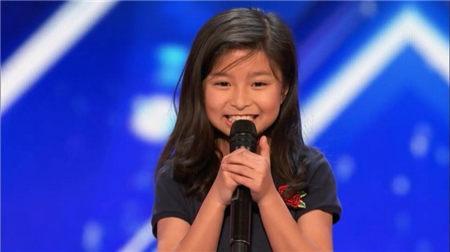 9歲「Celine」譚芷昀鐵肺唱腔驚艷全球 成功晉級《美國達人秀》 - 每日頭條