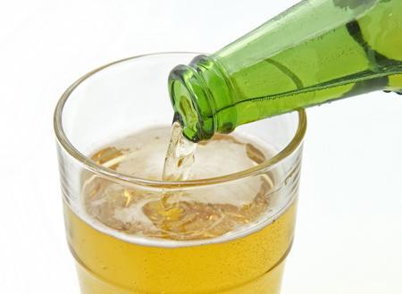 喝了這麼多年酒,今天才知道長期喝白酒和喝啤酒有什麼不同! - 每日頭條