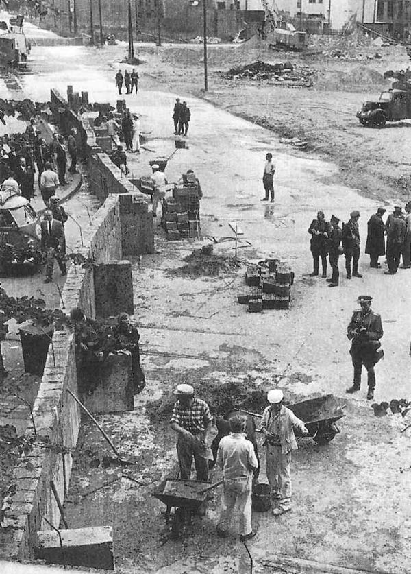 柏林圍牆推倒以後東西德真的徹底融為一體了嗎? - 每日頭條