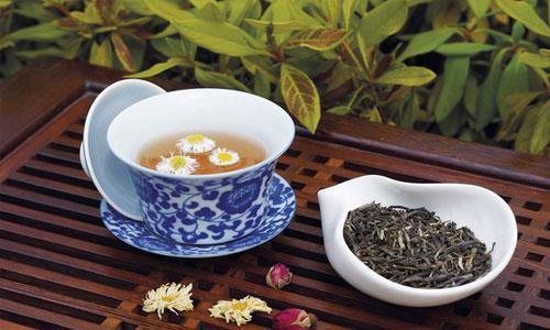 菊花茶的養生泡法 與什麼搭配最好喝 - 每日頭條