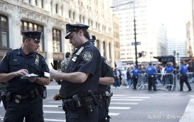 各國警察制服大PK.來看看哪個國家的最好看? - 每日頭條