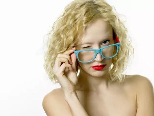 怎麼才能給高度近視配一副合適的眼鏡? - 每日頭條