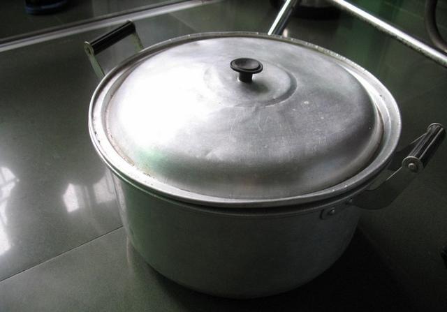 吃鋁鍋烹飪的食物會得老年癡呆癥?讓這篇文章告訴你真相 - 每日頭條