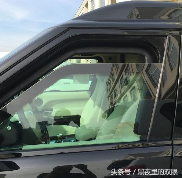 路虎最霸氣的防彈車,15公斤的炸藥對它也沒用,全中國僅此一輛 - 每日頭條