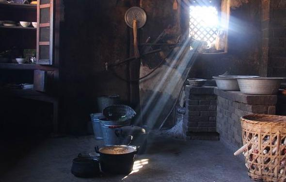 kitchen exhaust vent compost container 实拍农家厨房,黑锅大灶炒菜香 - 每日头条