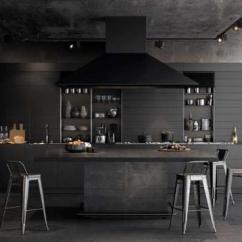 Kitchen Shelf Liners Remodeling Kitchens 澳都新创意36令人诱人的黑色厨房橱柜 让你为你的家居创造一帘幽梦 厨房不能 一个诱人的魅力 同时说光滑和复杂 在黑暗的一面看看一些辉煌的内饰 看看是否有更深的重新设计可以适合你