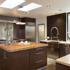 Redesigning A Kitchen Beach House Backsplash Ideas 厨房岛台设计的作用有哪些 厨房岛台设计高度是多少 每日头条 很多家庭在进行家庭装修时 会特意设计一个厨房岛台 这样因为岛台能够增大厨房操作空间 在烹饪闲暇之余还能与家人进行交流 那么厨房岛台设计的作用有哪些