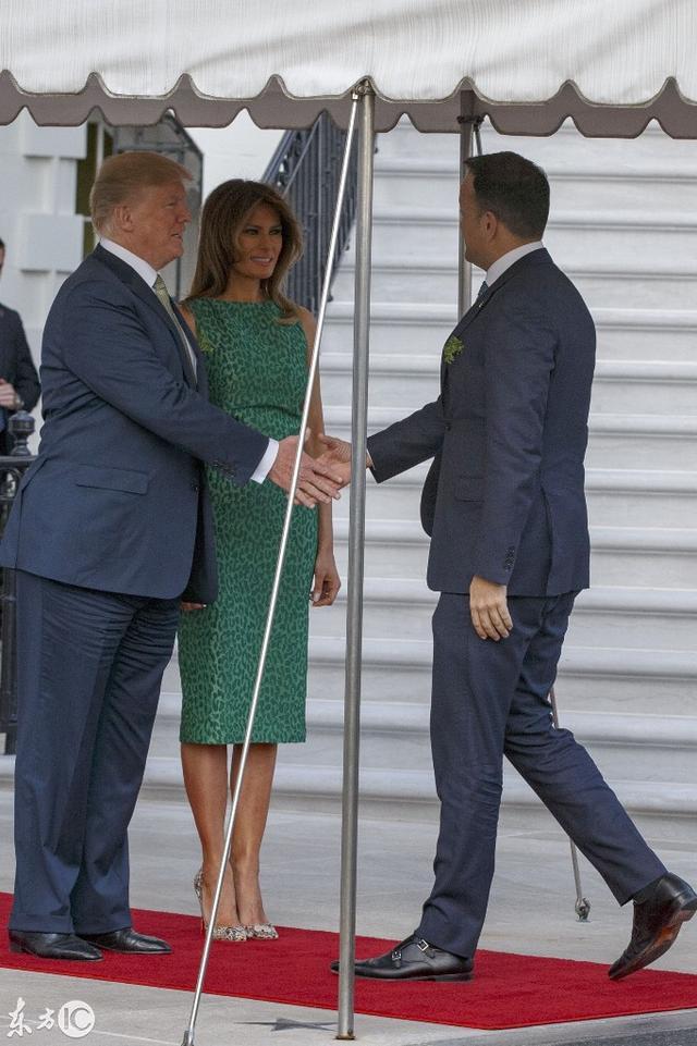 72歲的美國總統 總喜歡帶著48歲的妻子一起工作 畢竟顏值擔當 - 每日頭條