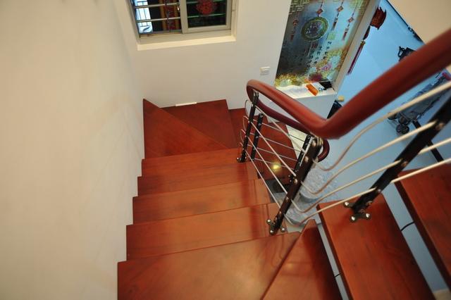 動手做個鋼架樓梯。全小區最漂亮!只花7000元。老師傅看了都讚嘆 - 每日頭條