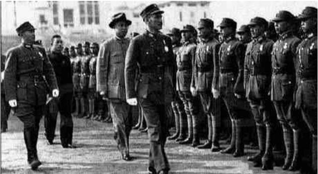 蔣介石當年是如何上位的:從「火箭式」提升到與中共「最後攤牌」 - 每日頭條