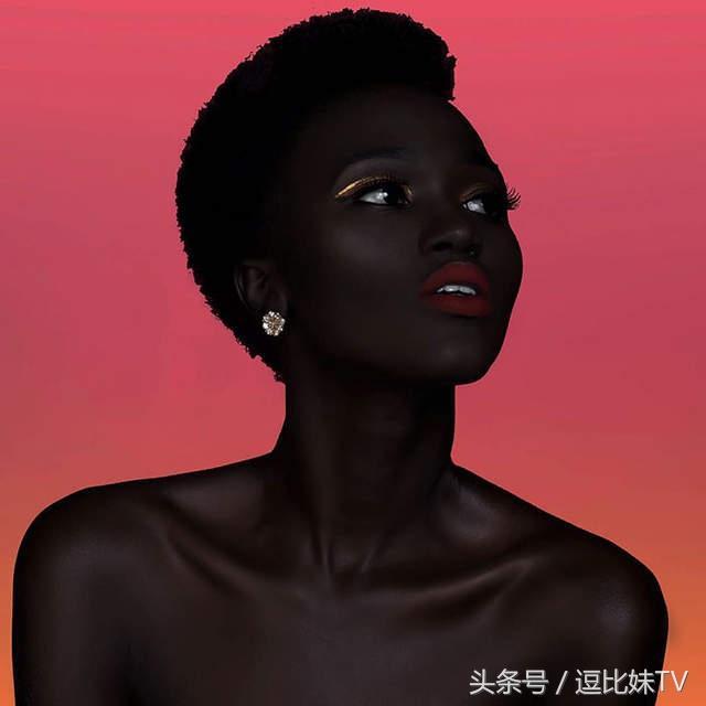 最有自信的黑美人模特兒 來自南蘇丹的黑暗女王Nyakim Gatwech - 每日頭條