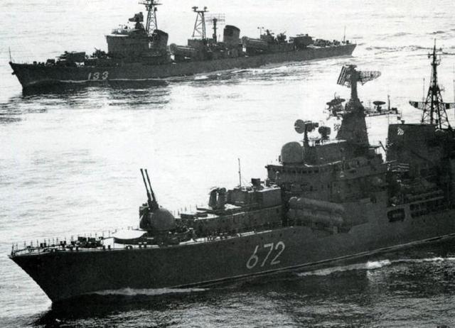 致敬「老兵」系列之「051型」驅逐艦 - 每日頭條