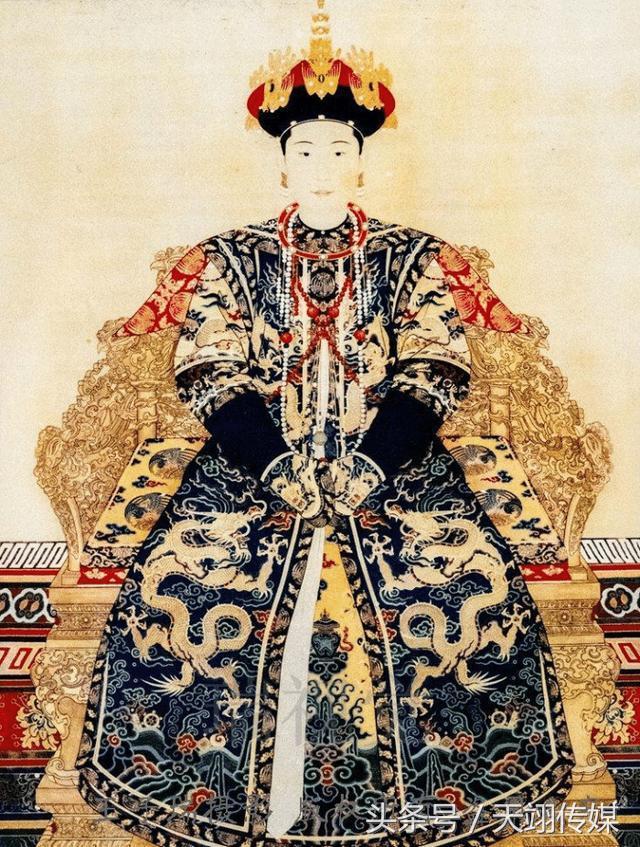清朝12個皇帝的12個皇后標準像,比較一下,你認為哪個漂亮? - 每日頭條