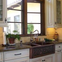 Kitchen Sinks With Drainboard Built In Crystal Island Lighting 厨房常见的8种不同的围裙水槽样式 每日头条 选择理想的宽度 深度 排水位置和附件 如图所示的内置排水板 但请注意这种水槽的内部紧挨着 它们很难清洁