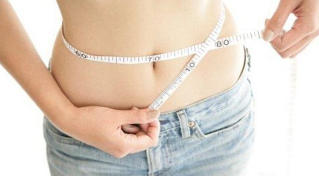 每天小腹刮2次。輕鬆和贅肉說拜拜。一周掉5斤不是夢! - 每日頭條