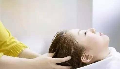 洗頭掉頭髮嚴重?頭髮稀少怎麼變濃密?如何養發生髮的食療方法 - 每日頭條