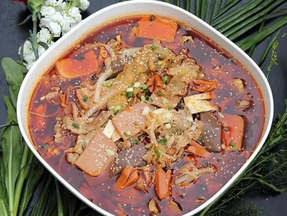 你了解火鍋、串串、冒菜、麻辣燙有哪些區別嗎? - 每日頭條