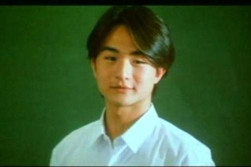 周潤發、劉松仁的兒子。息影十四年。網友:為你哭了好久 - 每日頭條