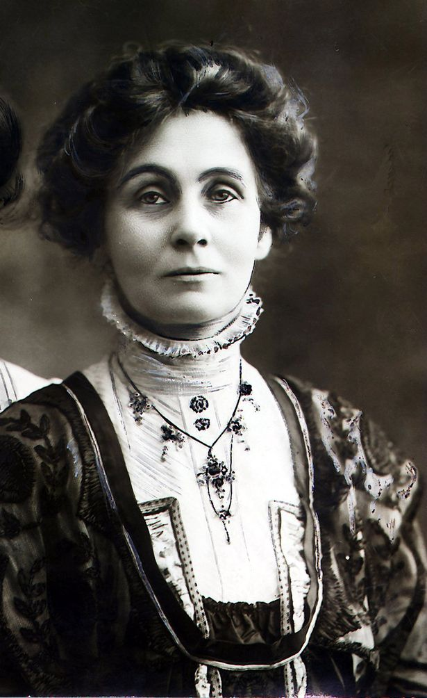 https://i0.wp.com/i1.mirror.co.uk/incoming/article1916136.ece/ALTERNATES/s615b/Emmeline-Pankhurst-sufragette-who-fought-for-the-right-for-women-to-vote.jpg
